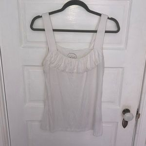 Woman's white tank top